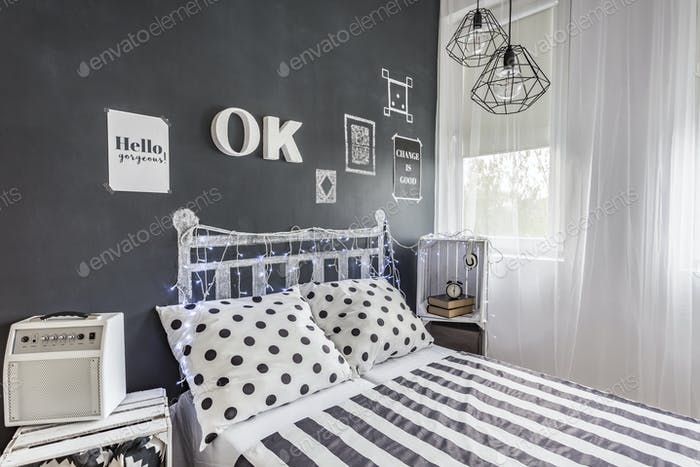 Bedroom with in style look