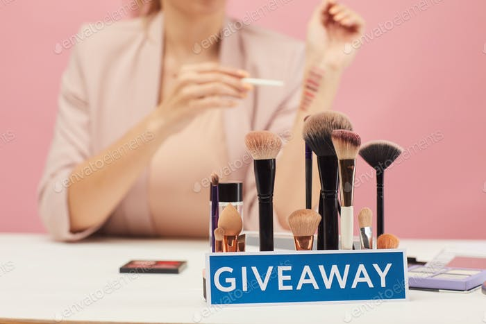 Giveaway for beauty blogger