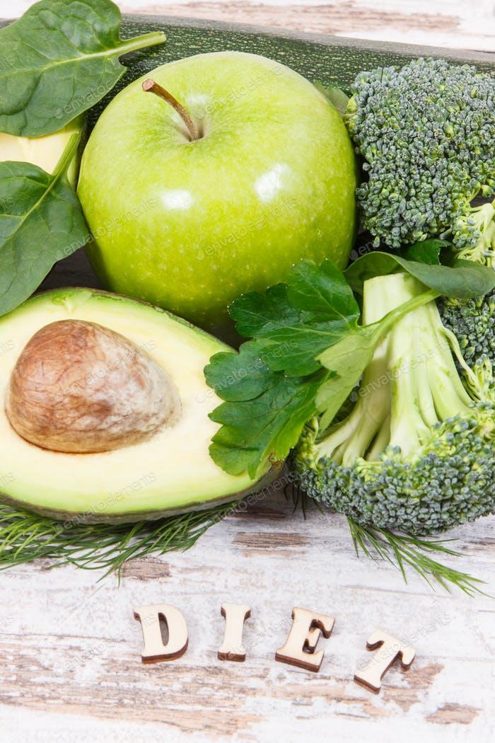 Inscription diet with natural green ingredients as source vitamins and minerals