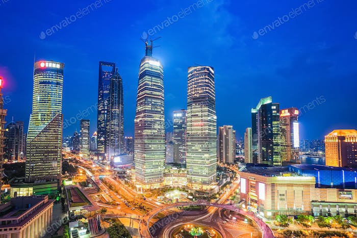 shanghai midtown at night