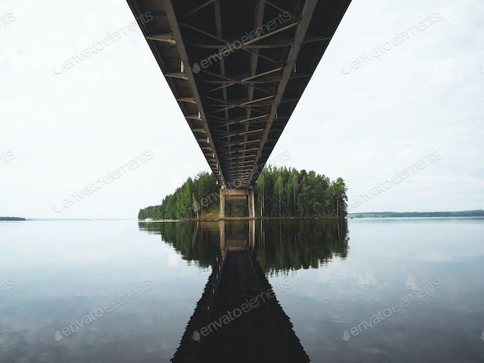 Die Brücke zu schön.