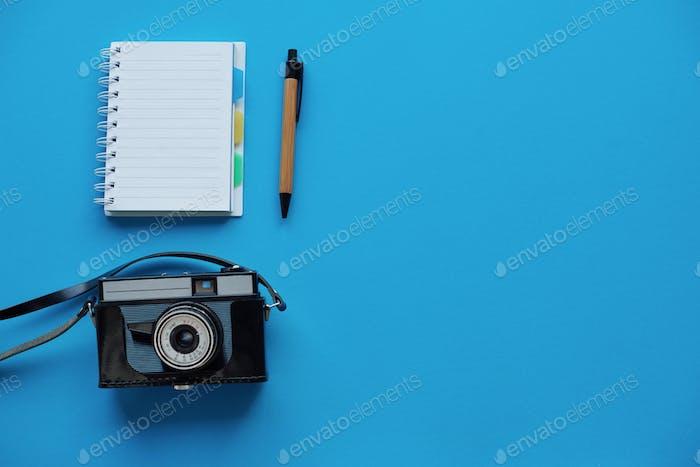 Kamera und Notebook direkt darüber