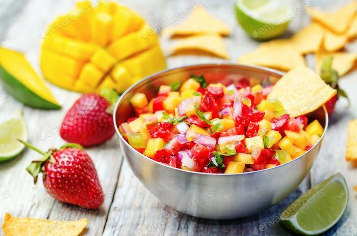 strawberry mango pepper salsa