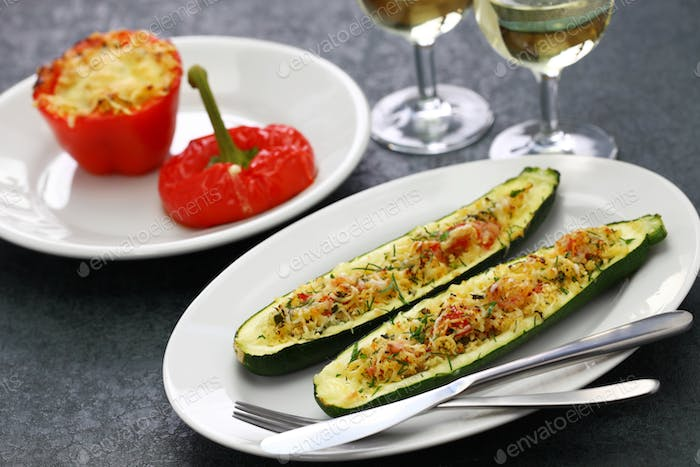 baked vegetarian zucchini boats