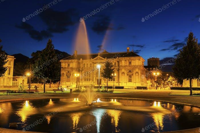 Alte Bibliothek am Place de Verdun in Grenoble