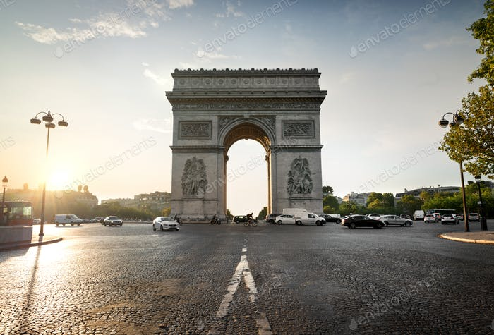 Arc de Triomphe and avenue