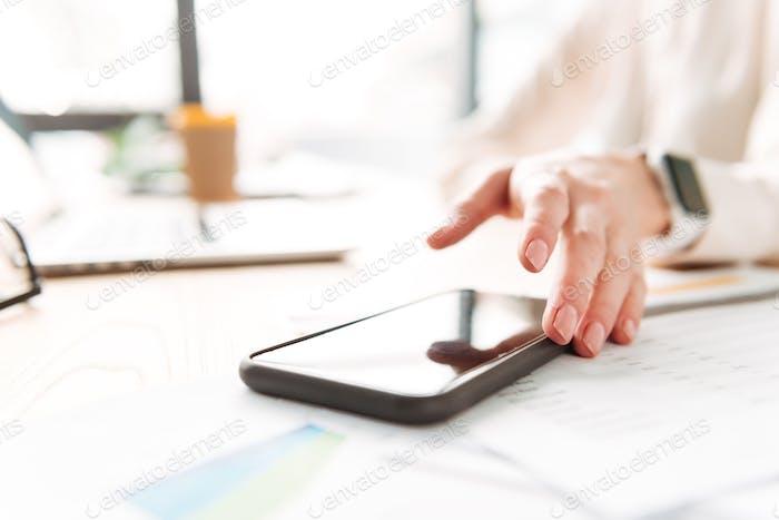 Nahaufnahme einer Frauenhand