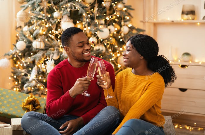 Gifts, romance and date on New Years night