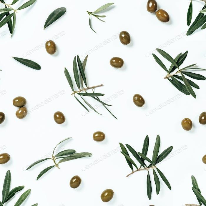 nahtloses Muster mit grünen Oliven und Zweigen