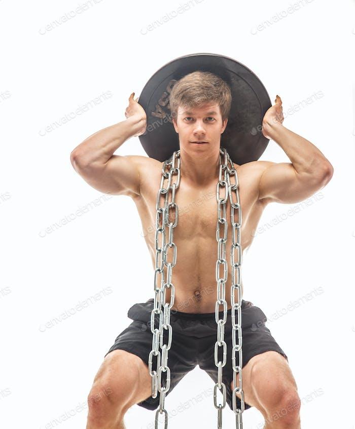 Muskulärer Kerl macht Wurm up