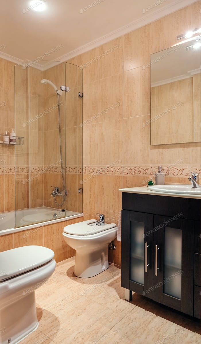 Bathroom with mirror and shower screen