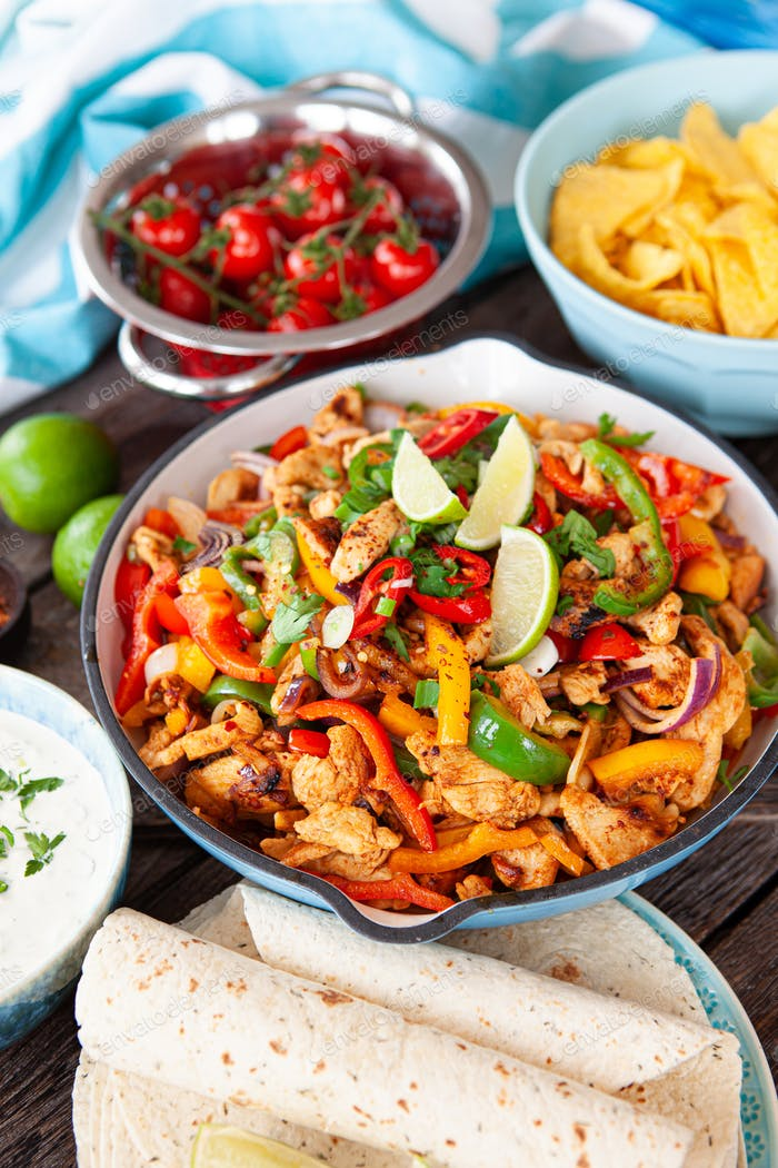 Spicy chicken fajita