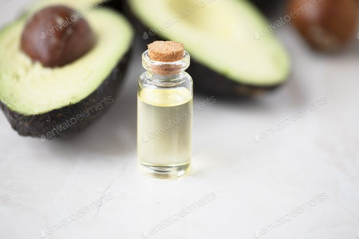 Frisches Avocadoöl