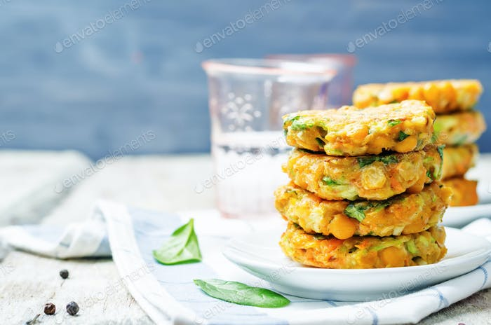 zucchini spinach chickpea burgers