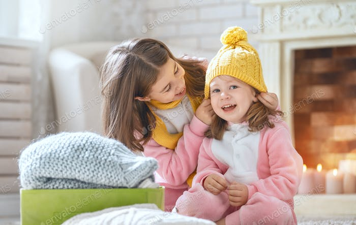 Kinder genießen den Winter