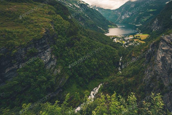 Geiranger und Geirangerfjord