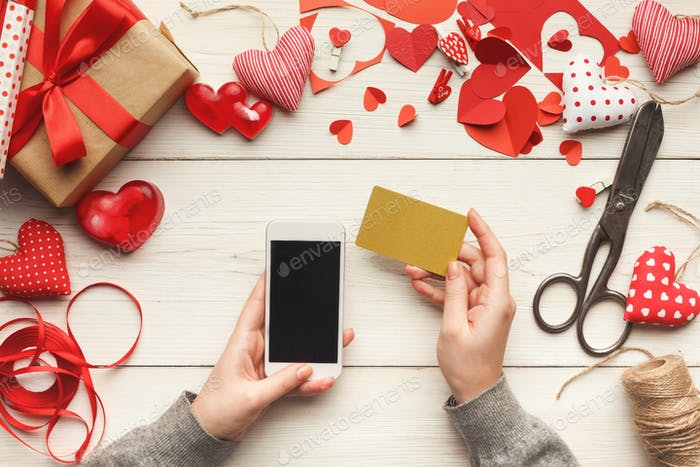 Valentine day online shopping background with copy space