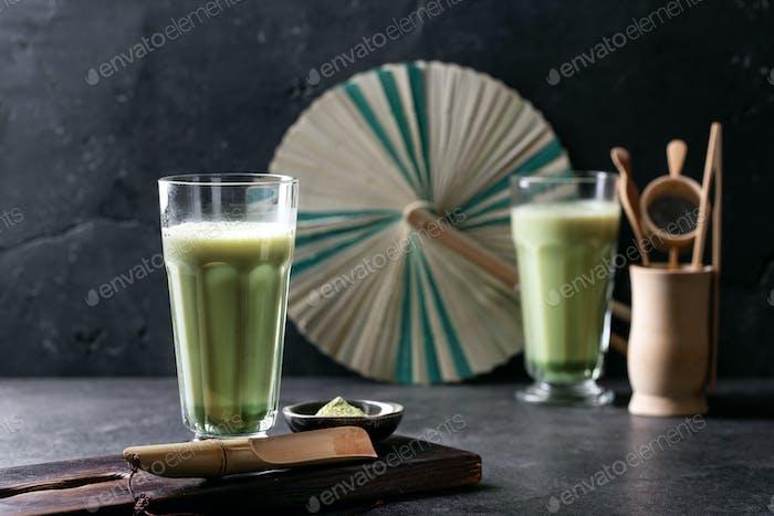 Matcha Tee und Pulver
