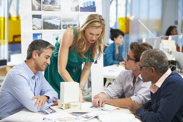 Treffen im Architektenbüro