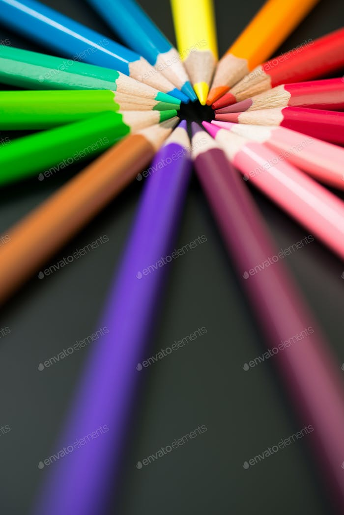 Color pencils arranged in circle
