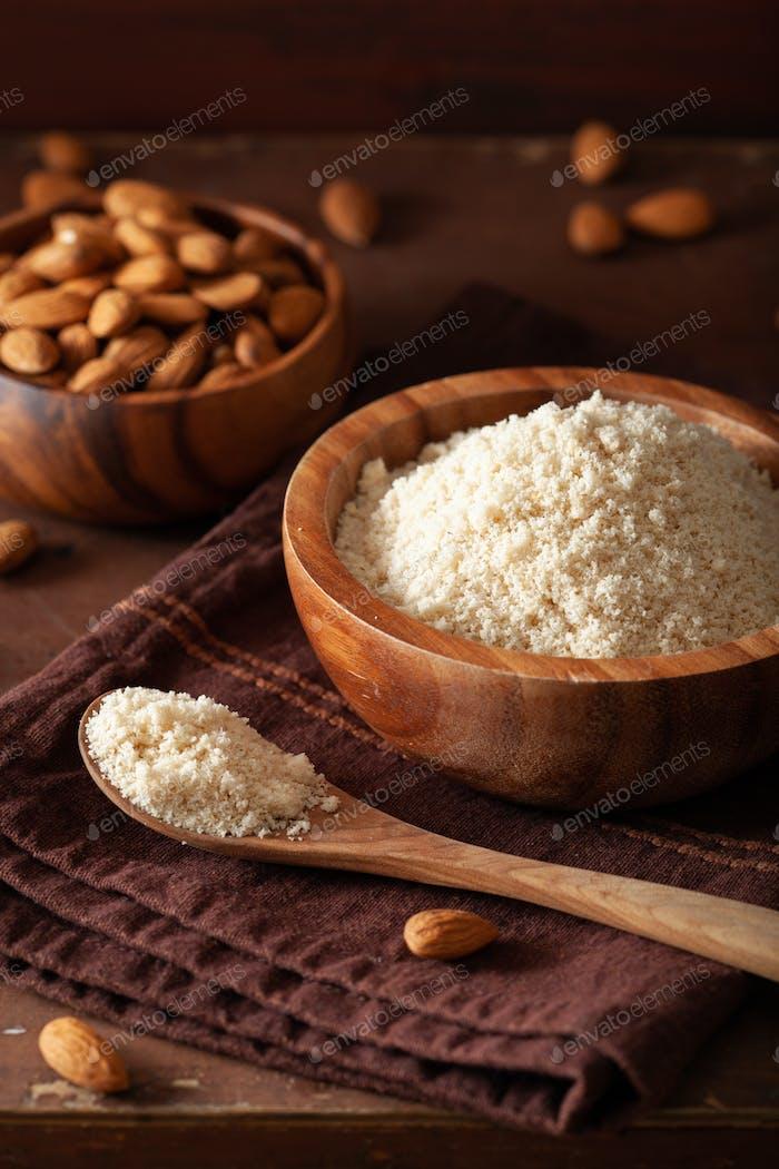 Mandelmehl. gesunde Zutat für keto paleo glutenfreie Ernährung