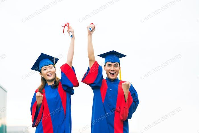 Emocionado con la graduación