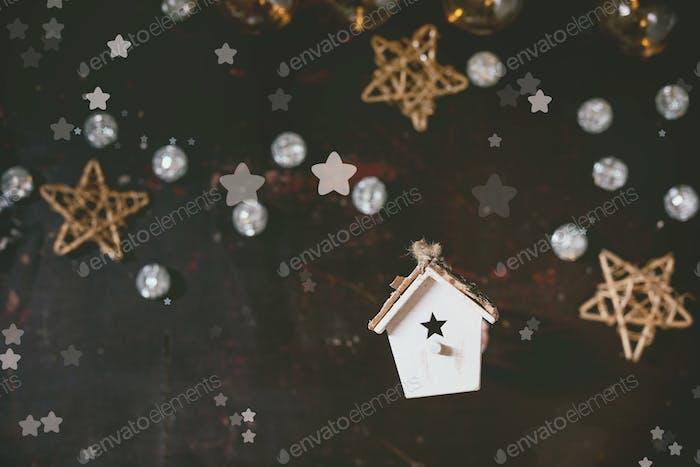 Weihnachtsspielzeug Vogelhaus