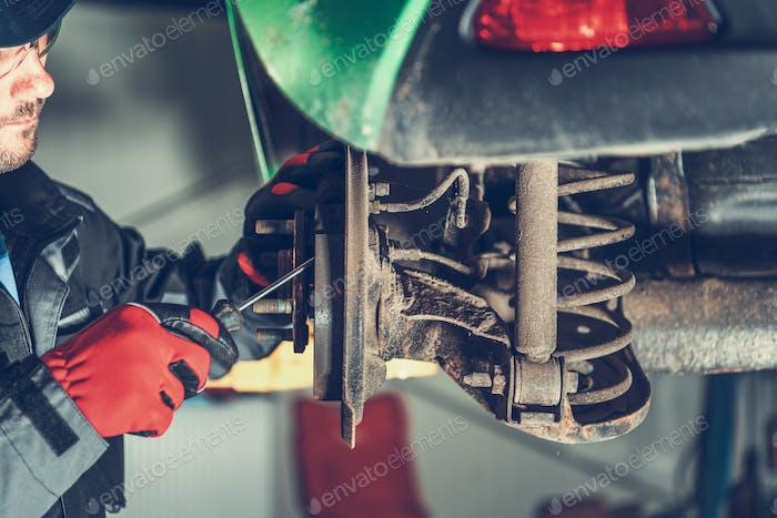 Servicing Car Brakes