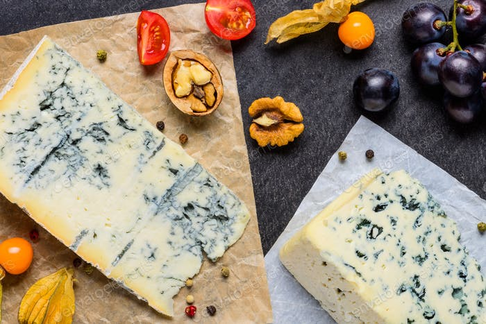 Danish Blue Mold Cheese with poha fruits