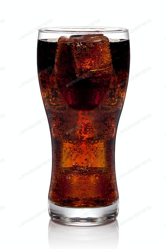 Cola-Glas mit Eiswürfeln