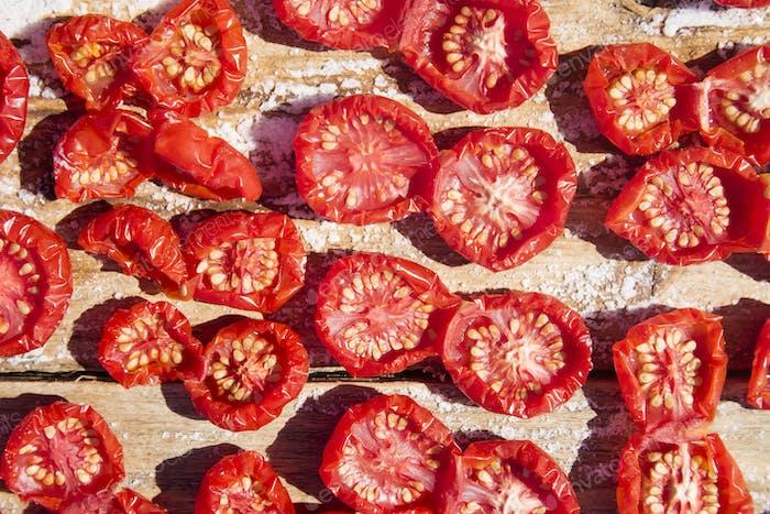 Pachino tomato to dry
