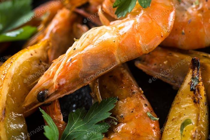Prawns Shrimps roasted with lemon and garlic