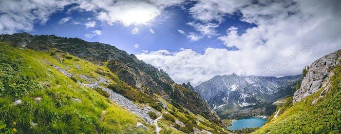 Das grüne Tal, Strbske Pleso See. Die Tatra
