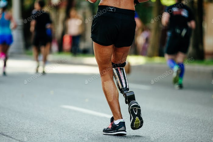 back female runner disability in prosthesis