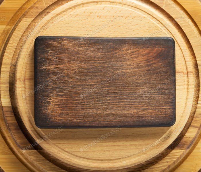 signboard at wooden cutting board