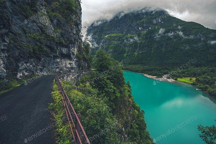 Lac glaciaire en Norvège
