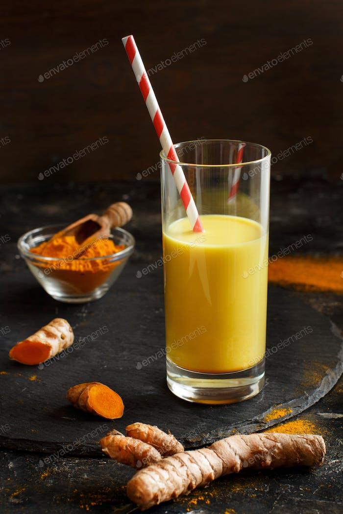 Golden milk with turmeric powder