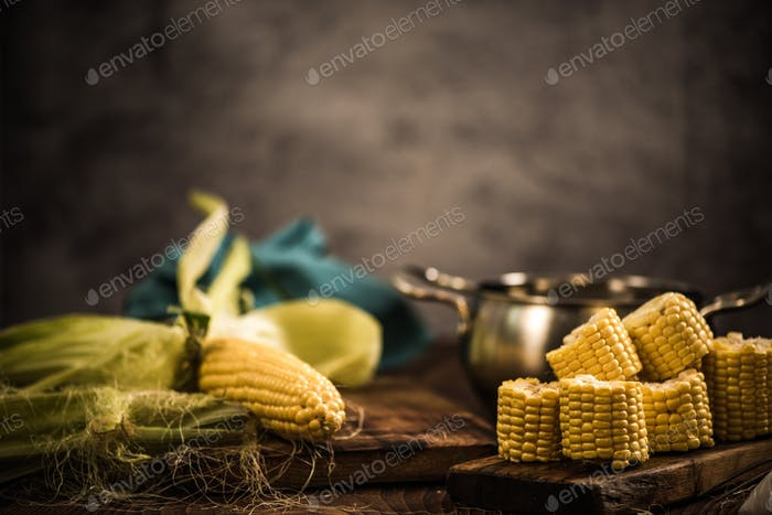 Cooking whole corn on the hob