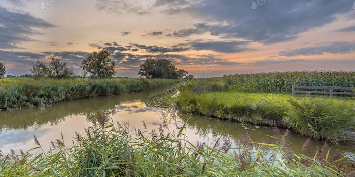 Kanäle in der landwirtschaftlichen Landschaft