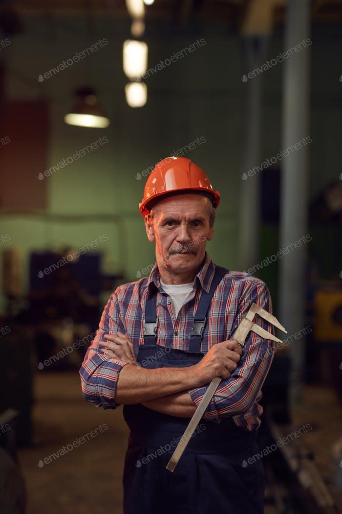 Arbeiter mit Messgeräten