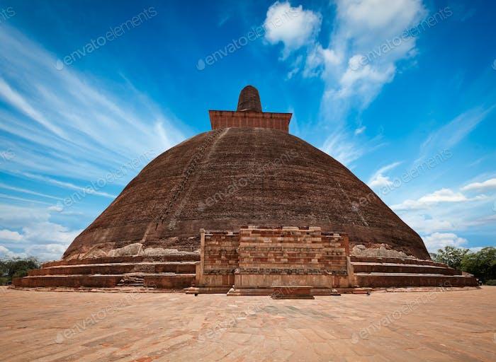 Jetavaranama dagoba  (stupa). Anuradhapura, Sri Lank