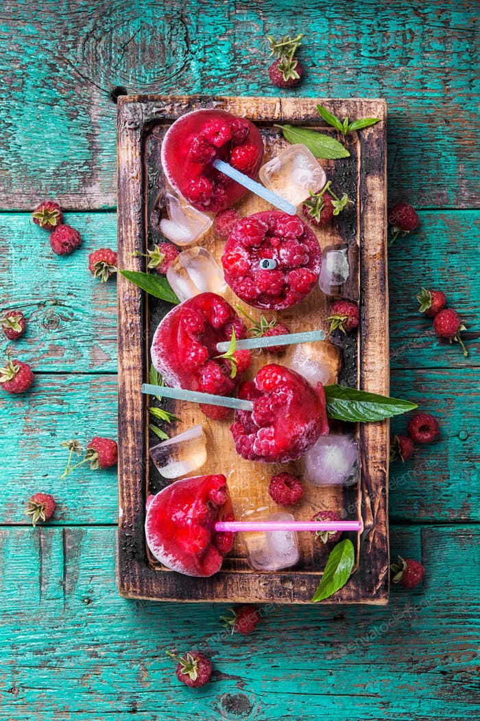 Frozen raspberry juice