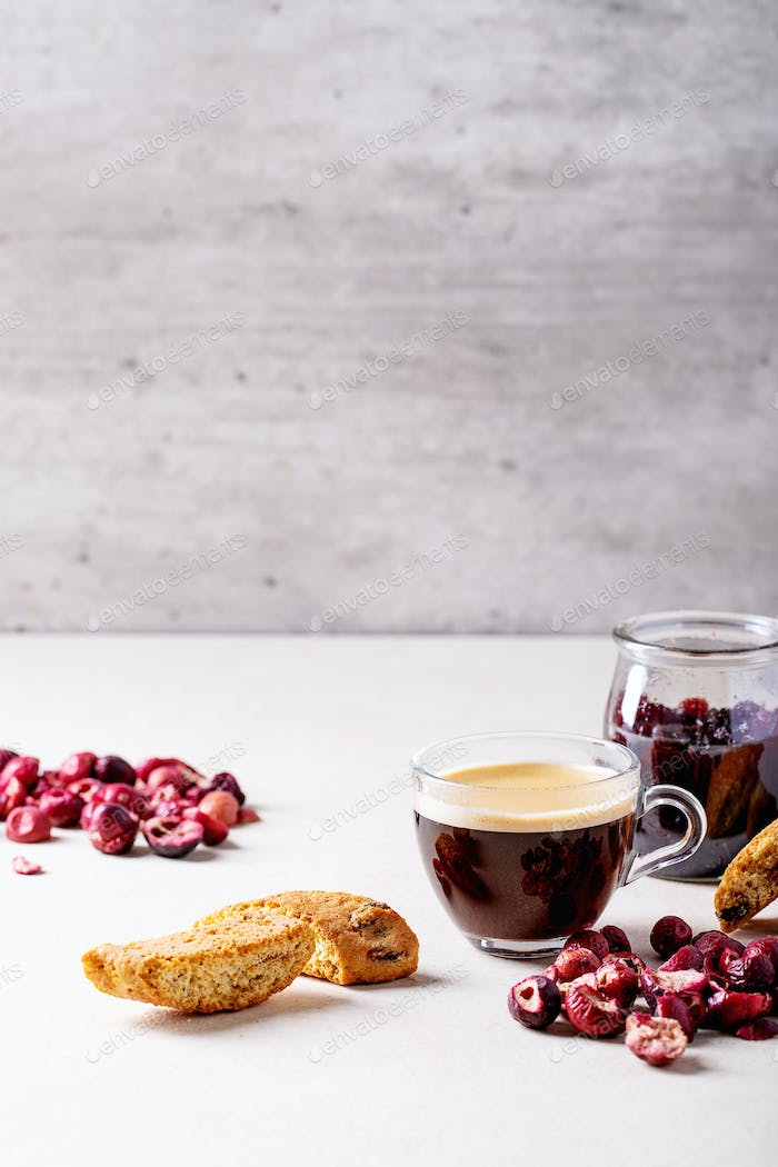 Cantucci cookies and coffee
