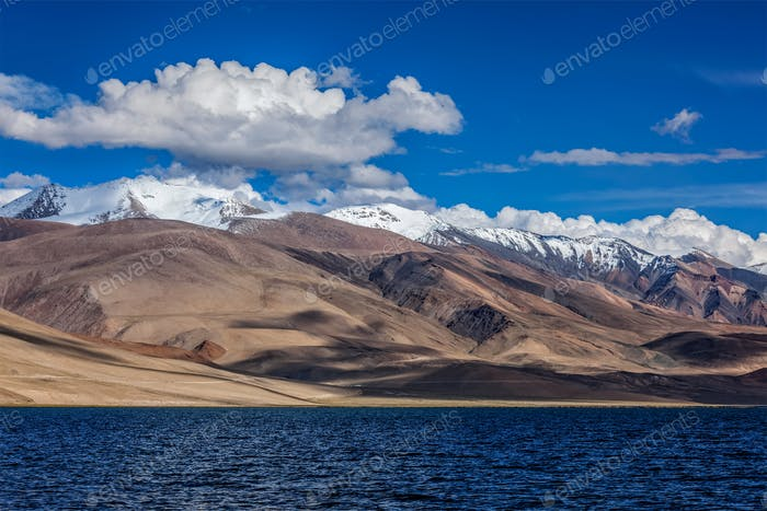 Lake Tso Moriri in Himalayas. Ladakh, Inda