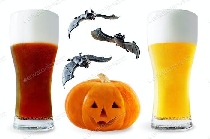 Bierliste: helle und dunkle Biere mit Kürbis und Fledermäusen isoliert