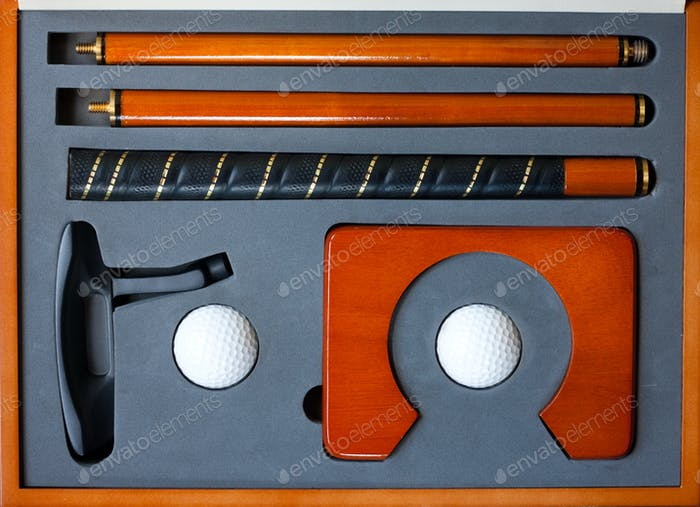 Portable golf set