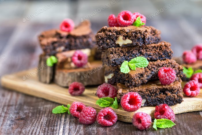 Thumbnail for Brownie with raspberry