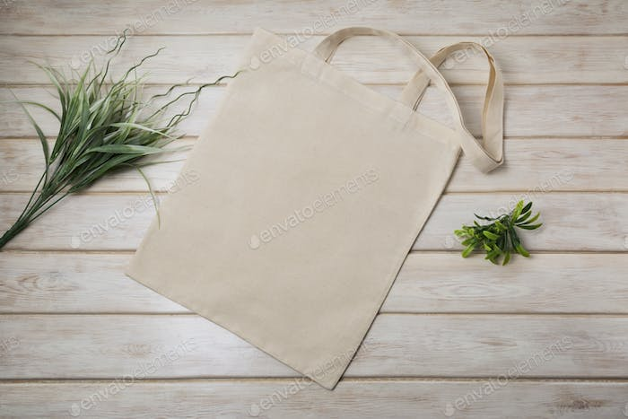 Placeit – Tote bag mockup with green grass