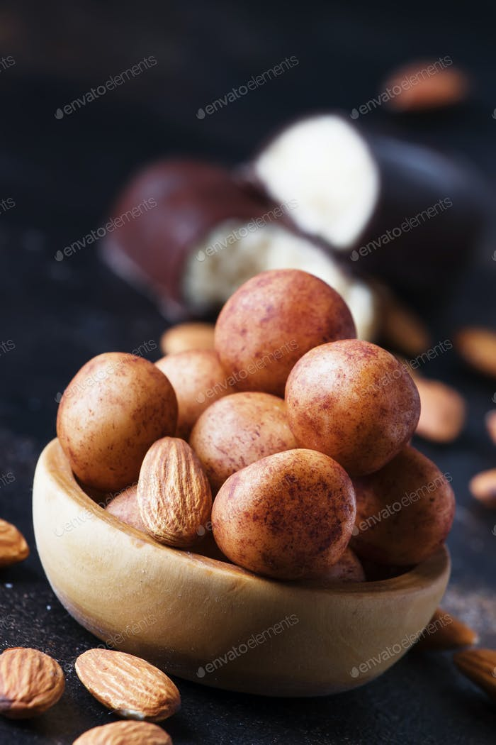 Marzipan, round almond candies