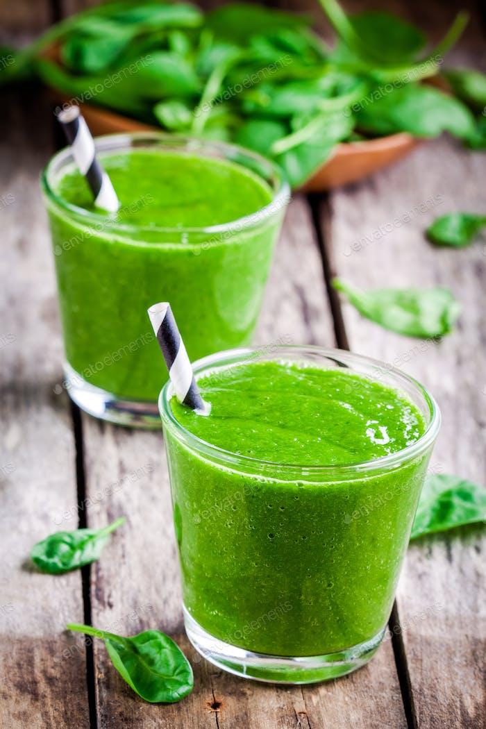 Batido saludable de espinacas verdes